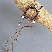Украшения ручной работы. Ярмарка Мастеров - ручная работа Кулон-держатель для очков. Handmade.