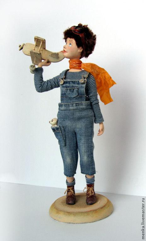 Коллекционные куклы ручной работы. Ярмарка Мастеров - ручная работа. Купить Авиатор. Handmade. Синий, полет, деревянная подставка