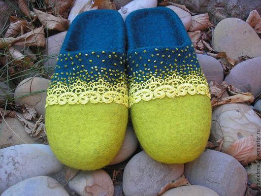 """Обувь ручной работы. Ярмарка Мастеров - ручная работа. Купить Валяные тапочки """" Тёплый подарок"""". Handmade. Зеленый"""