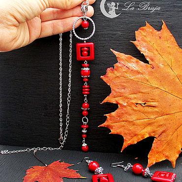 Украшения ручной работы. Ярмарка Мастеров - ручная работа Красный комплект украшений:серьги и подвеска-галстук с кораллом. Handmade.