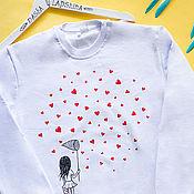Одежда ручной работы. Ярмарка Мастеров - ручная работа Свитшот с росписью Catching Love. Handmade.