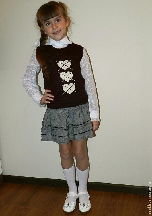 """Одежда для девочек, ручной работы. Ярмарка Мастеров - ручная работа. Купить жилет для девочки """"Сердце мое"""". Handmade. Бордовый"""
