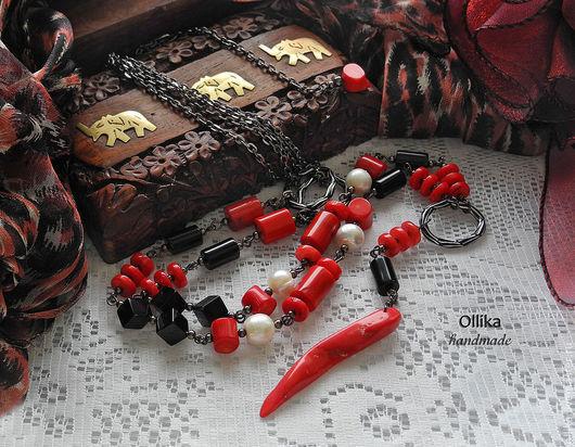 Колье-сотуар RED HOT CHILI PEPPERS. Коралл,Жемчуг,Агат,колье с кораллом,бусы с корасным кораллом,коралловое колье,длинные бусы,длинное колье,колье с подвеской,серьги в подарок,подарок при покупке,серь