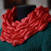 Аксессуары ручной работы. Ярмарка Мастеров - ручная работа Коралловый валяный снуд, 3D эффект. Handmade.