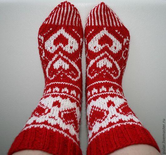 Носки, Чулки ручной работы. Ярмарка Мастеров - ручная работа. Купить носки шерстяные Сердешные. Handmade. Ярко-красный, сердечки
