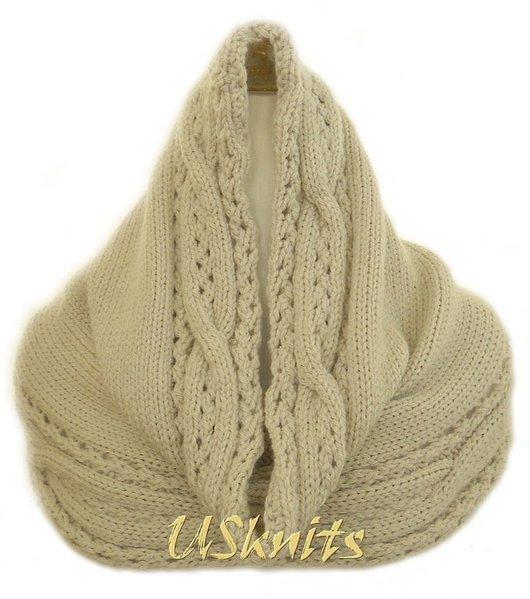 Вязаный шарф-снуд `Экрю`