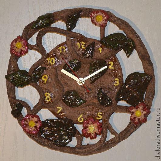 Часы настенные керамические `Лиана`