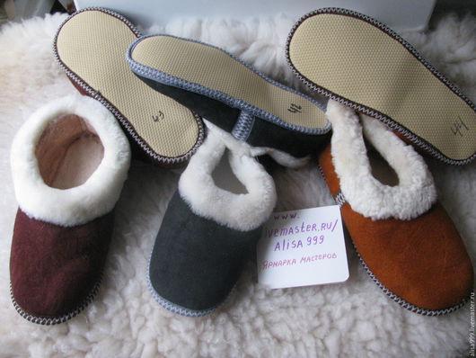 Обувь ручной работы. Ярмарка Мастеров - ручная работа. Купить Мужские тапочки чувяки из овчины. Handmade. Серые тапочки