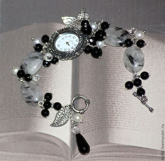 Часы ручной работы. Ярмарка Мастеров - ручная работа. Купить Часы- браслет( из кварца, агата, жемчуга) Сад Снежной Королевы. Handmade.