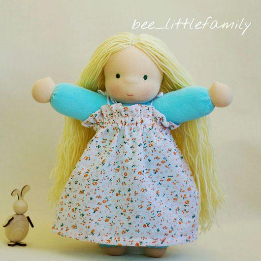 Кукла в пришивном комбинезоне