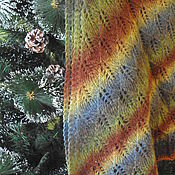 """Аксессуары ручной работы. Ярмарка Мастеров - ручная работа Шаль вязаная """"Хвойный лес"""" платок бактус. Handmade."""