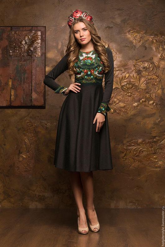 Платье в Русском стиле, длина миди,  платье из натуральных тканей, ручная работа, платье с Павлопосадским платком. Сделано в Санкт-Петербурге.