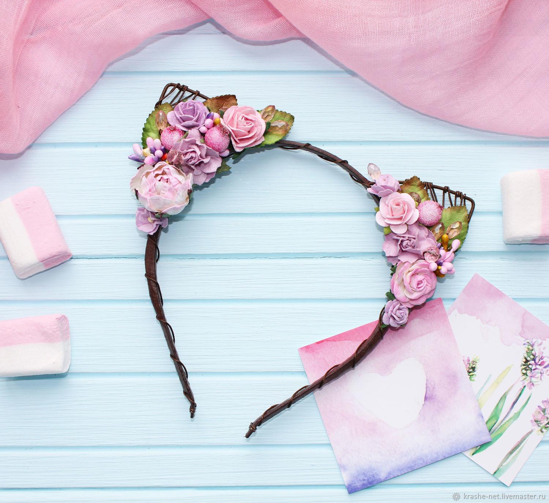 Простейший декор горшков для цветов своими руками выполняется цветным джутовым шнуром, которым заменяют бечевку.