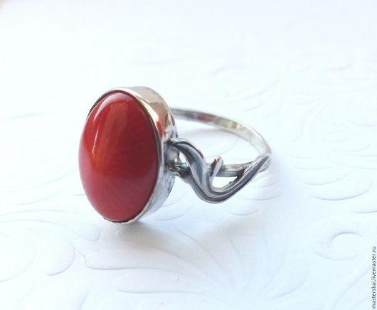 """Кольца ручной работы. Ярмарка Мастеров - ручная работа. Купить Кольцо """"Карина""""- коралл, серебро 925. Handmade. Ярко-красный"""