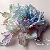 """Цветы и флористика ручной работы. Ярмарка Мастеров - ручная работа цветок из шелка """"искристый голубой """". Handmade."""