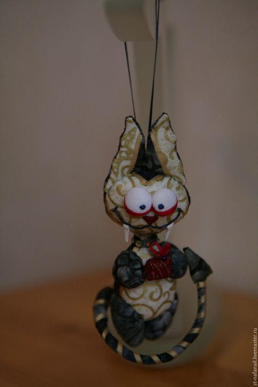 Игрушки животные, ручной работы. Ярмарка Мастеров - ручная работа. Купить Кот-вампир А я к вам с подарком. Handmade.