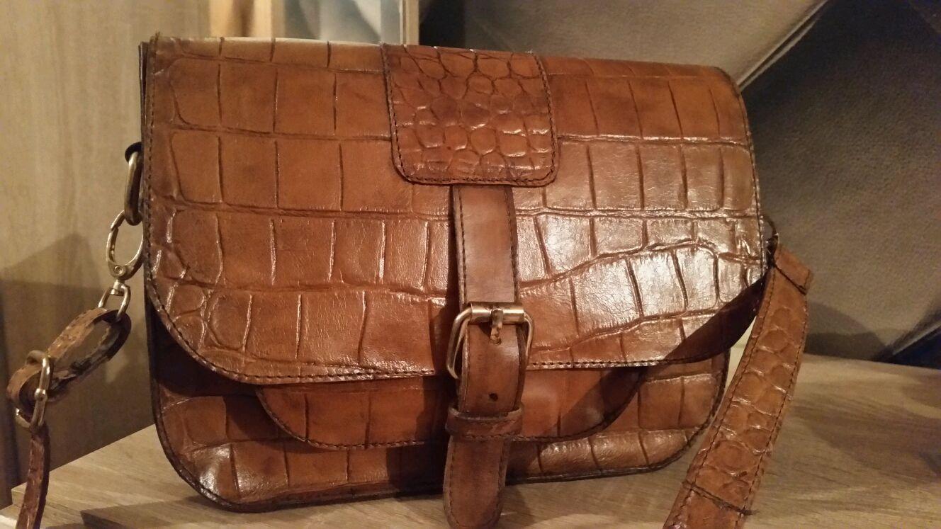 Кожаные сумки с кожей под крокодила