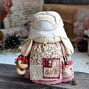 """Народная кукла ручной работы. Ярмарка Мастеров - ручная работа Девочка с конфетой """"Праздничная"""".. Handmade."""