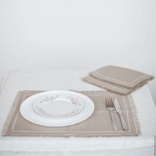 Салфетка льняная с бахромой в стиле Рустик. Рустикальный стиль. Салфетка льняная. Для сервировки. Столовый текстиль. Столовое белье. Сервировка стола. Оформление стола. Сервировочные салфетки.