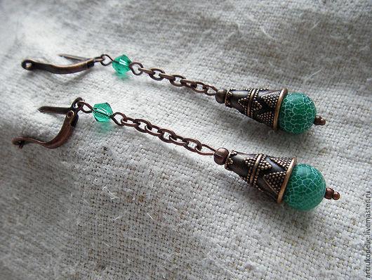 Серьги Изумрудный звон. Серьги выполнены из качественной фурнитуры цвета античной меди и бусин агата кракле. Длина серег 6 см.