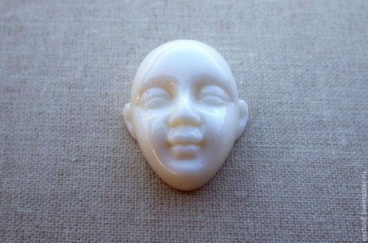 Кабошон лицо