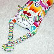 """Игрушка-подушка """"Радужный кот"""" которадуга на белом"""