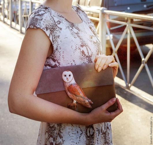 """Женские сумки ручной работы. Ярмарка Мастеров - ручная работа. Купить Клатч """"Сова"""". Handmade. Серый, сова, замша"""