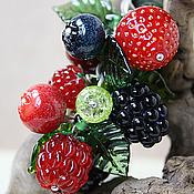 """Украшения ручной работы. Ярмарка Мастеров - ручная работа Кулон лэмпворк """"Самый ягодный из всех"""" :). Handmade."""
