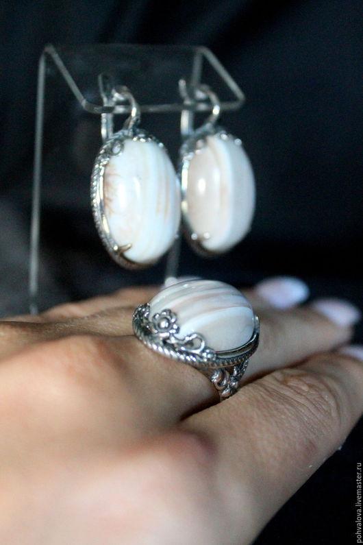 Комплекты украшений ручной работы. Ярмарка Мастеров - ручная работа. Купить 19,5 размер Посеребренные серьги и кольцо из натурального агата. Handmade.