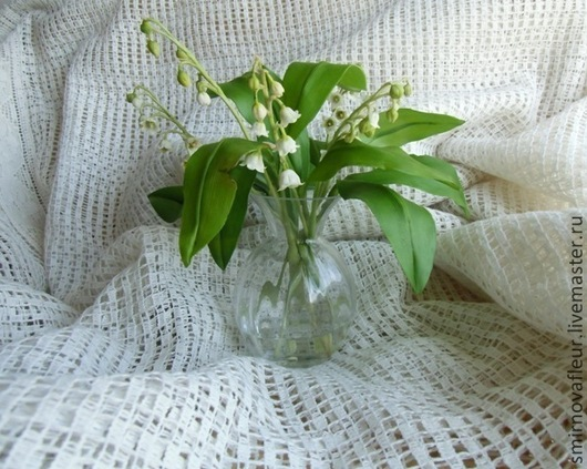 Люблю я раннюю весну,\r\nЛес ароматом наполняет,\r\nКрасивей нет цветов в лесу,\r\nСмотрите, ландыш расцветает!