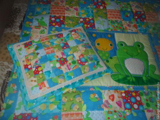 Пледы и одеяла ручной работы. Ярмарка Мастеров - ручная работа. Купить комплект лягушка лоскутное одеяло и наволочка. Handmade. Разноцветный