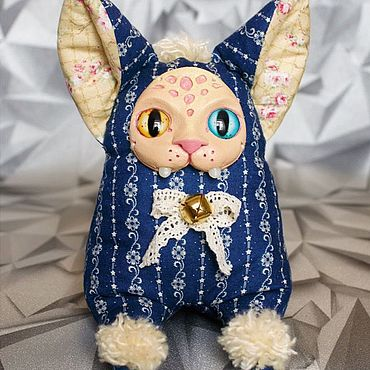 Куклы и игрушки ручной работы. Ярмарка Мастеров - ручная работа Кошки в смешанной технике. Кошки-талисманы. Handmade.