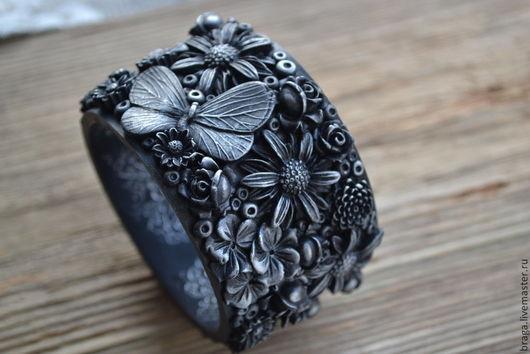 Браслеты ручной работы. Ярмарка Мастеров - ручная работа. Купить Браслет с цветами и бабочками. Крупный, черно-серебрис. Handmade. Браслет