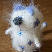 """Куклы и игрушки ручной работы. Ярмарка Мастеров - ручная работа Кот """"Гжельский фарфор"""" вязаный (игрушка сувенир гжель). Handmade."""
