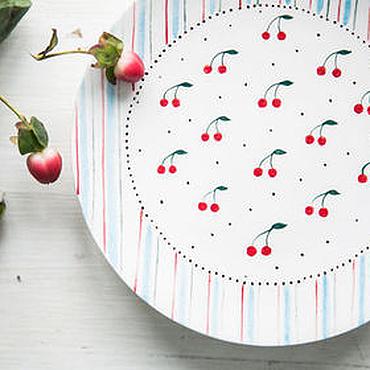 Посуда ручной работы. Ярмарка Мастеров - ручная работа Вишнёвый десерт... Блюдце ручной работы, керамика. Handmade.