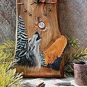 """Часы классические ручной работы. Ярмарка Мастеров - ручная работа Часы настенные из дерева с рисунком ручной работы """"Волк"""". Handmade."""