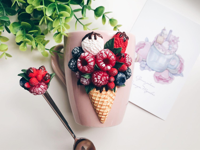Кружка с ягодным мороженым из полимерной глины Лучший подарок девушке, Кружки и чашки, Санкт-Петербург,  Фото №1
