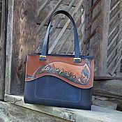 Классическая сумка ручной работы. Ярмарка Мастеров - ручная работа Сумка кожаная женская темно-синяя большая повседневная  Первоцветы. Handmade.