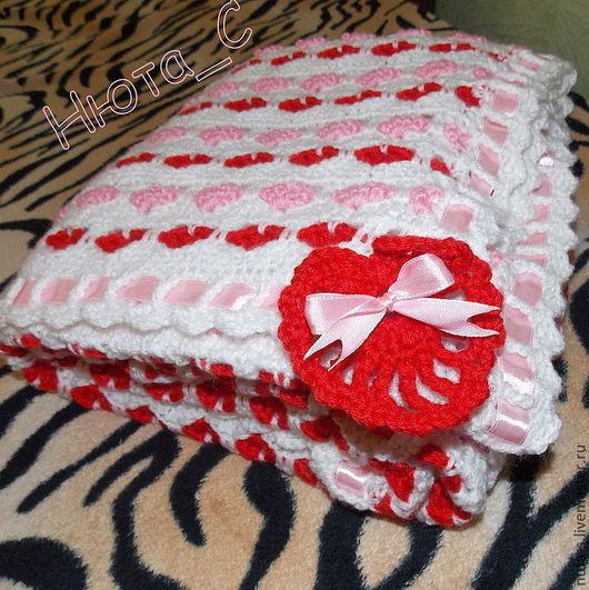 """Для новорожденных, ручной работы. Ярмарка Мастеров - ручная работа. Купить """"Сердечный"""" комплект для новорожденной малышки: плед, шапочка и пинетк. Handmade."""