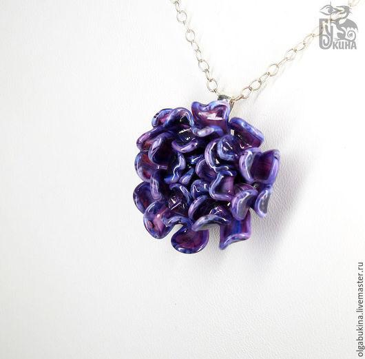 Кулоны, подвески ручной работы. Ярмарка Мастеров - ручная работа. Купить Кулон цветок Фиолетовая хризантема. Лиловый, синий, брусничный серебро. Handmade.