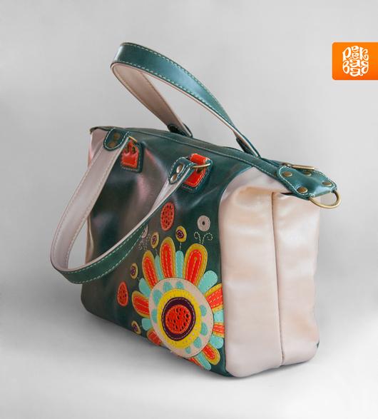 Зеленая сумка из натуральной кожи. Кожаная сумка с аппликацией. Яркая сумка кожа
