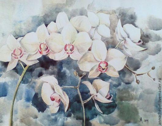 Орхидеи. Анна Чепель. 40 x 30 см., бумага, акварель, 2014.  Ветка белоснежной орхидеи на фоне, выполненном в серовато- голубоватых тонах с присутствием охристых, мазком, напоминающим облачность.