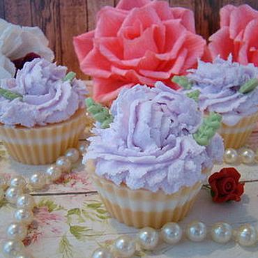 Подарки к праздникам ручной работы. Ярмарка Мастеров - ручная работа Мыльные пирожные. Handmade.