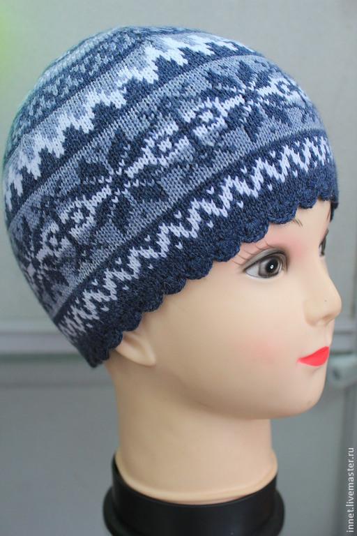 Женская шапка жаккардовым узором