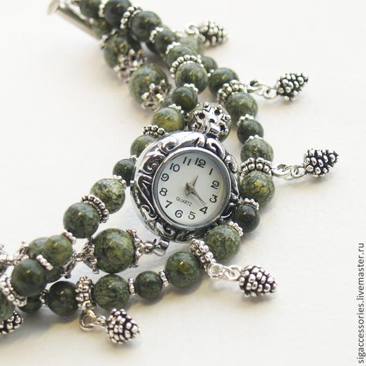 """Часы ручной работы. Ярмарка Мастеров - ручная работа. Купить """"Шишкин лес"""" - часы-браслет. Handmade. Оливковый, браслет оливковый"""