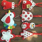 Подарки к праздникам ручной работы. Ярмарка Мастеров - ручная работа елочные игрушки из фетра. Handmade.