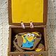Пряничная шкатулка  15х17х8см в нее помещаются 5 миньонов по 11см каждый и три пряника с изображением бананов.  Вместо бананов можно написать пожелания.  Оформления шкатулки может быть любым.