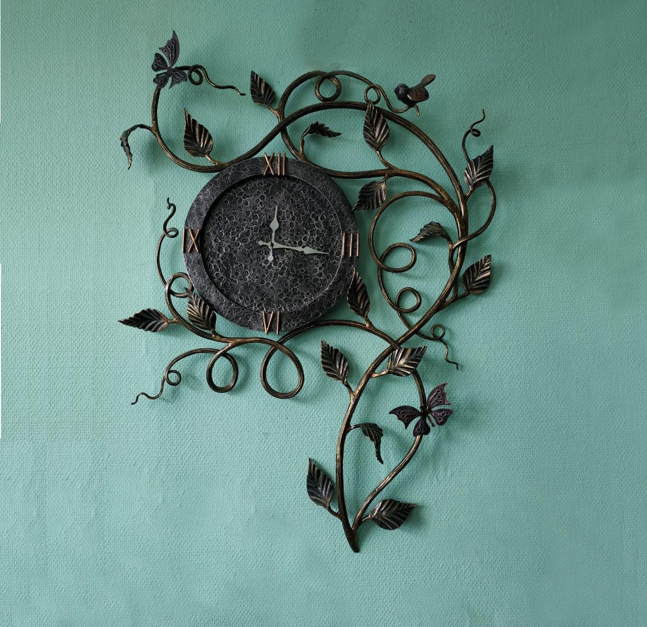 Кованые часы с птичкой и бабочками, Часы классические, Москва,  Фото №1