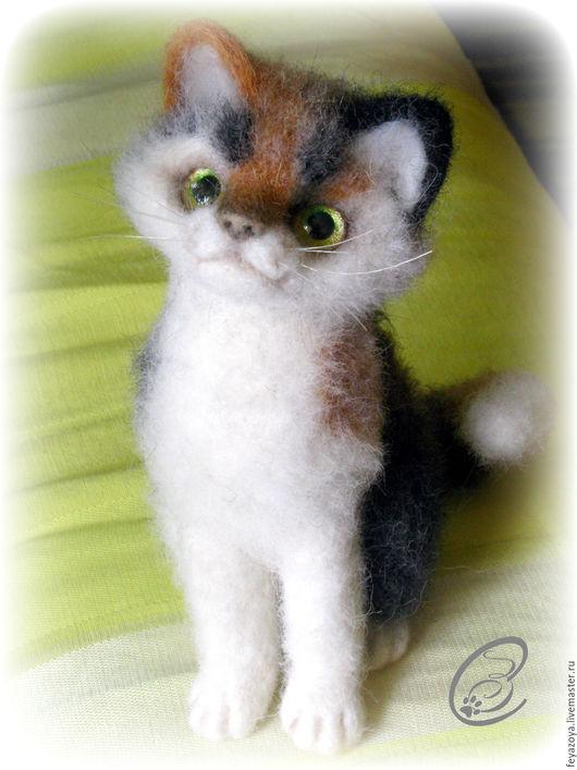 Игрушки животные, ручной работы. Ярмарка Мастеров - ручная работа. Купить Кошечка-Крошечка, счастливый сувенир, миниатюра из шерсти. Handmade.