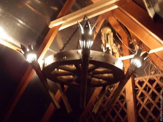 Освещение ручной работы. Ярмарка Мастеров - ручная работа. Купить Люстра-Колесо с факелами. Handmade. Люстра, освещение на дачу